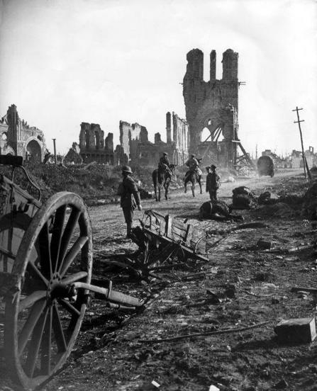 Eerste Wereldoorlog . Verwoest Ieper. Belgie.