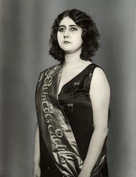 SFA022829113 Missverkiezingen. Portret van de Parijse schoonheidskoningin van 1928. 1928. Frankrijk.