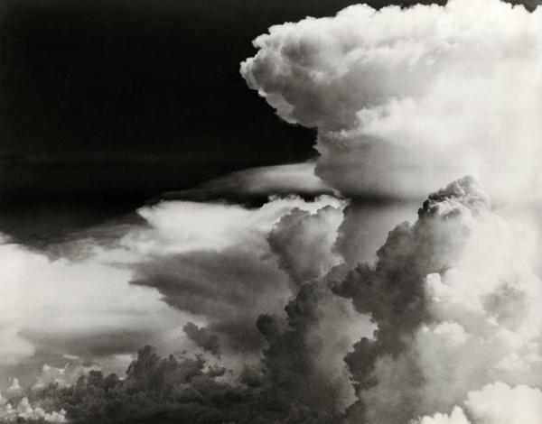 Wolken. Zonder plaats en jaar.