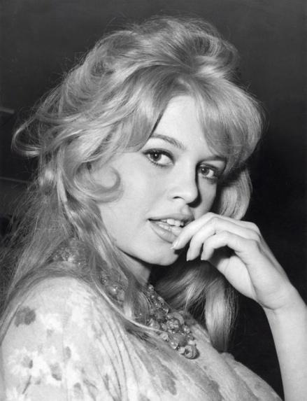 Portret van de Franse filmactrice Brigitte Bardot ook bekend als de Sex Kitten is in Londen voor haar nieuwe film Babette goes to war, Engeland 9 april 1959.