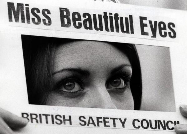 SFA008004977 Zintuigen. Close-up van een paar prachtige groene ogen van Penny Dussek ,die uit 60 finalisten gekozen is tot Miss Beautiful Eyes 1971. Engeland, Londen, 13 april 1971