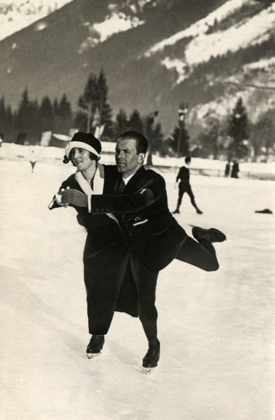 Schaatsers tijdens Olympische Winterspelen. Chamonix, 1924.